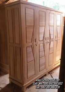 Lemari Pakaian Kayu Jati Minimalis 4 Pintu